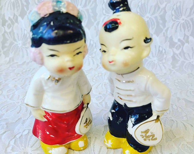 Chinese Man and Woman Salt & Pepper Shakers ~ Chinatown San Francisco Souvenir ~ Made in Japan 1950s ~ Hand Painted ~ CHALKWARE!