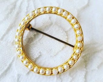 Vintage Circle Brooch 1950s Seed Pearls Gold Tone Brooch ~ Very Delicate and Beautiful