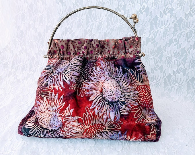 Handmade AMAZING Vintage Style Clasp Purse ~ Clutch ~ Handbag ~ Sewing ~ Makeup ~ Perfect for Phone and Essentials