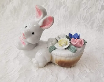 Vintage 1970s White Bunny with Flower Basket ~  Easter Bunny Figurine ~ Bunny Rabbit Figure Figurine Collectible