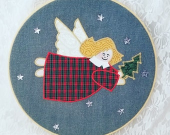 Handmade Angel of Christmas Loop Wall Hanging ~ Excellent Condition