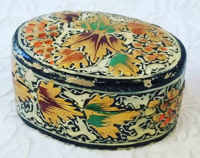 Antique OLD Hand Painted Persian Kashmir Paper Mache Lacquer Trinket Box ~ Intricate Hand Painted Design ~ RARE Witchs Altar Item