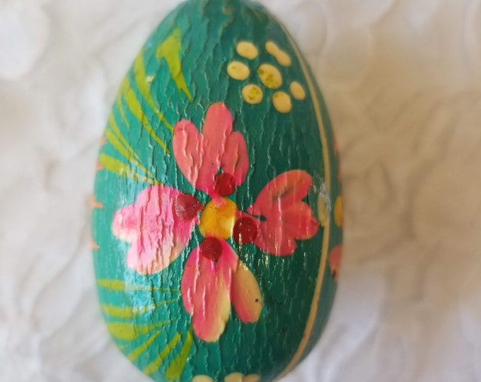 Very OLD Hand Painted Green Decorative Wooden Ukrainian Easter Egg  ~ Vintage Easter Decor