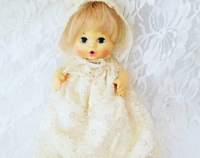 """Ideal 1974 Handful of Love Baby Doll ~ Drink and Wet ~ Original Clothing ~  6"""" with Original Clothing and Bonnet!"""