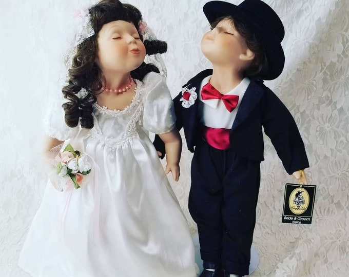 "Vintage Collectible Wedding Dolls ~ Set of Two (2) 14"" Kissing Dolls ~ Porcelain Boy and Girl ~ Geppeddo ~ With TAGS ~ Wedding Gift"
