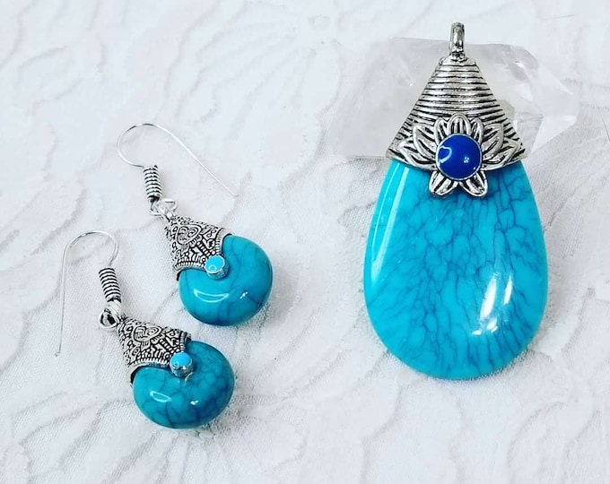 Amazing Santa Rosa Turquoise Earrings and Pendant ~ Jewelry Set ~ Sterling Silver ~ REVERSIBLE ~ See Pictures!