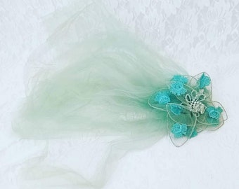 Vintage Rockabilly 1950s Fascinator Hair Piece ~ Tulle and Aurora Borealis Crystal Beads on Wired Petals