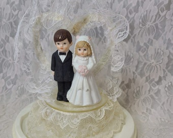Vintage 1950's Bride and Groom Figurine ~ Wedding Cake Topper and Plastic Dome ~ Groom and Bride ~ Great Condition ~ Couple ~ Anniversary