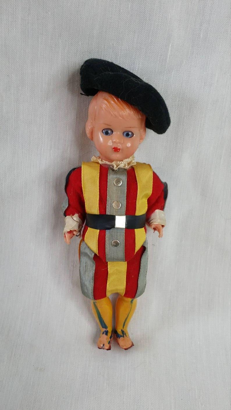 Vintage 1950 For Fast Shipping Provided Ancienne Petite Poupée En Costume Traditionnel Jouets Et Jeux
