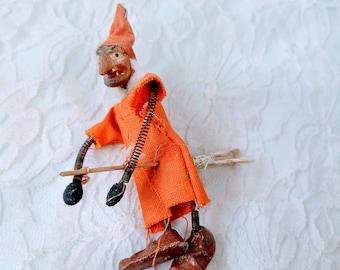 Mid Century Halloween! Vintage HALLOWEEN WITCH on Broom Orange Burlap Robes SPRING Arms & Legs 1950s