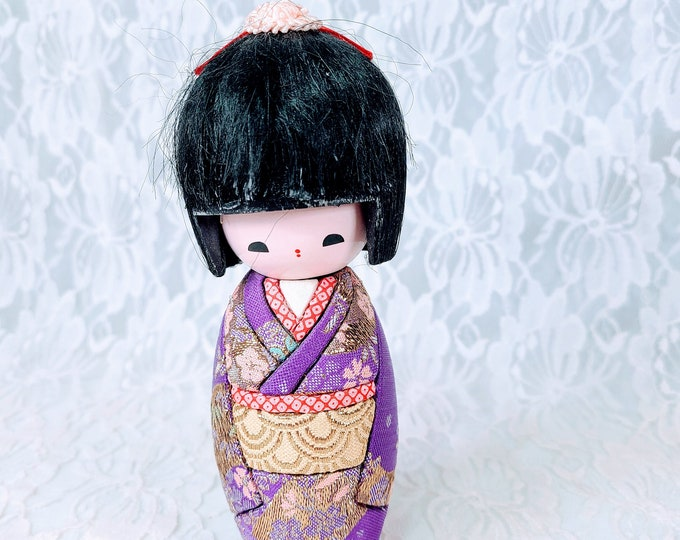 "Japan Japanese Kokeshi Nodder Bobble Head Kokeshi Doll 7""  Handmade Wood Peg Doll w/Moving Head ~ Real Silk Quilted Kimono"