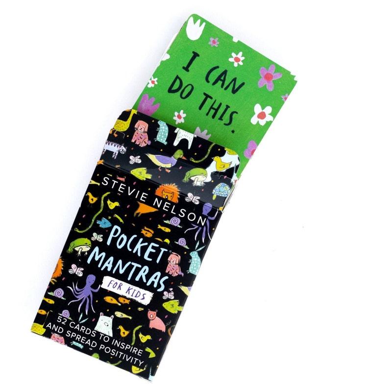 Pocket Mantras for Kids: 52 Little Affirmations to Inspire image 0