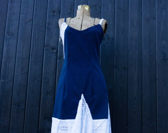 Long dress in stretchy jeans with white lace deco,unique denim dress,Dress made in Quebec,Robe in blue and white jeans,Mgarno