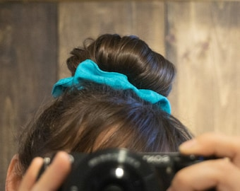 Hair scrunchies made in Quebec, Eco-friendly, Hair elastic, made from scraps of fabric, Scrunchy, Hair accessories, Shimmer, Chouchous, girl
