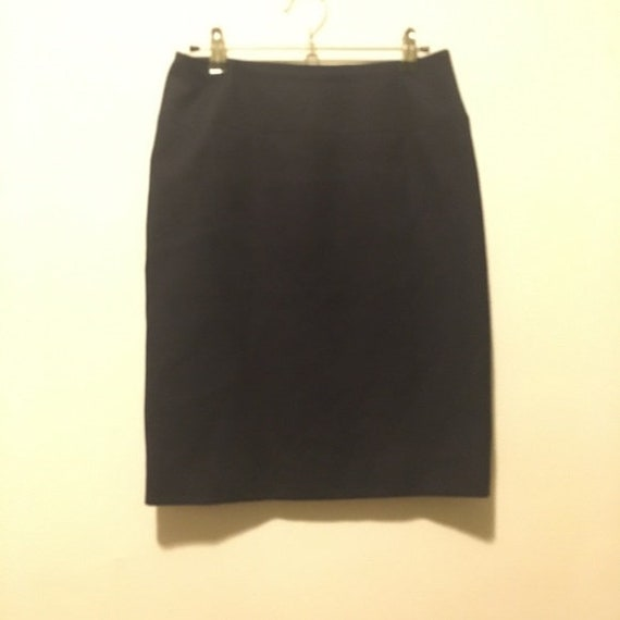 Chanel Boutique Vintage Navy Pencil Skirt 4