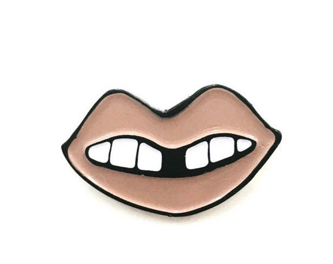 Nude Lip Pin