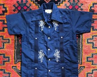 a6900010ab Vintage 1970s Yucateca Embroidered Guayabera Shirt