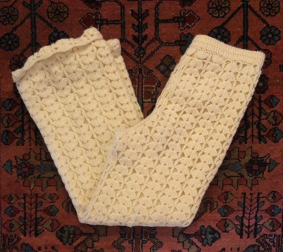 Vintage Women's 1960/70s Cream Wool Crochet Knit B