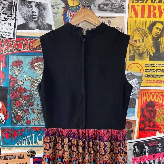 Vintage Women's 1960s-70s Sleeveless Mock Neck Ke… - image 4