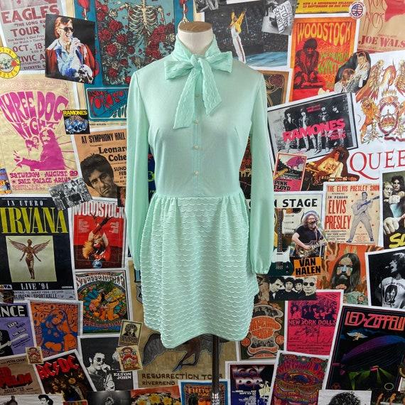 Vintage Women's 1960s-70s Mint Green Long Sleeve S