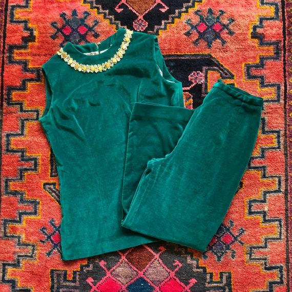 Vintage Women's 1960s Mod Emerald Green Velvet Emb