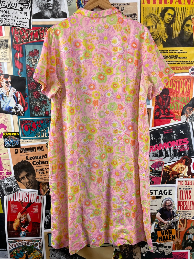 Green Floral All Over Print /'Nancy Frock/' Short Sleeve Button Front House Day Shirt Dress Vintage Women/'s 1960s Pink