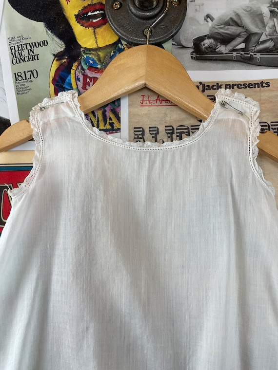 Vintage Baby Girls 1940s-50s White Lace Trim Shee… - image 3
