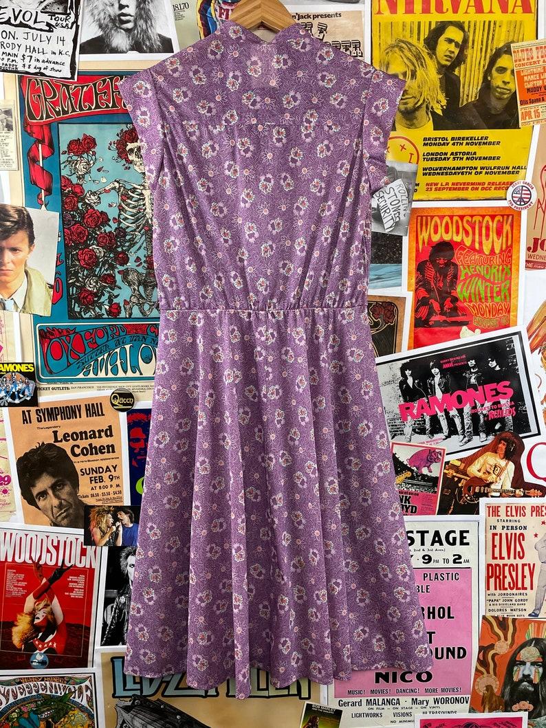 Vintage Women/'s 1970s Purple Floral Cap Sleeve Sleeveless Keyhole Tie Dress
