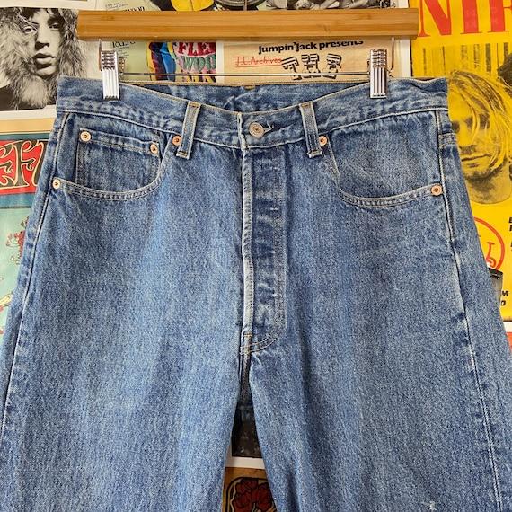 Vintage 1990s Medium Wash USA Levis 501s 32/33W B… - image 3