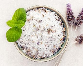 Lavender Bath Salts / /  All Natural Palm Oil Free Vegan Ingredients  / / Relax & Unwind Luxury Body Spa