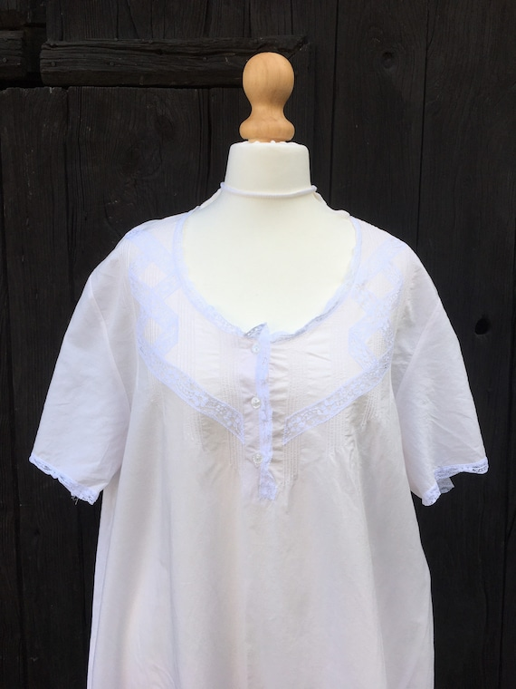 Vintage NIGHTGOWN Cotton Lace Victorian Style Nigh