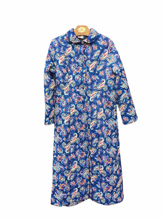 60s DRESSING GOWN QUILTED Kashmir Pattern. Retro P