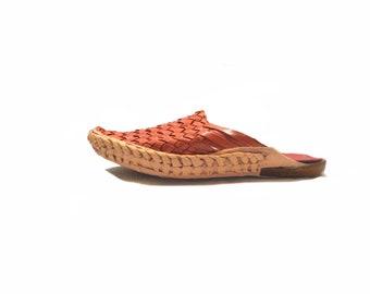 Leather clogs/mules,Leather raffia shoes