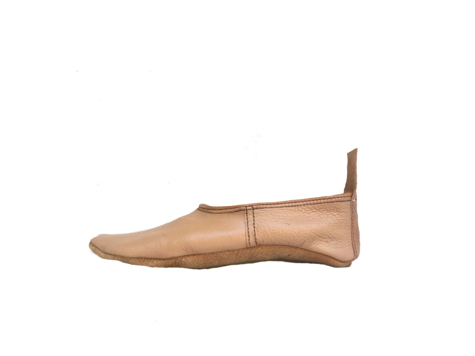 tan leather flats, leather slippers, house shoes, gift for her,leather travel shoes, tabi socks ,ballet flats,loafers,
