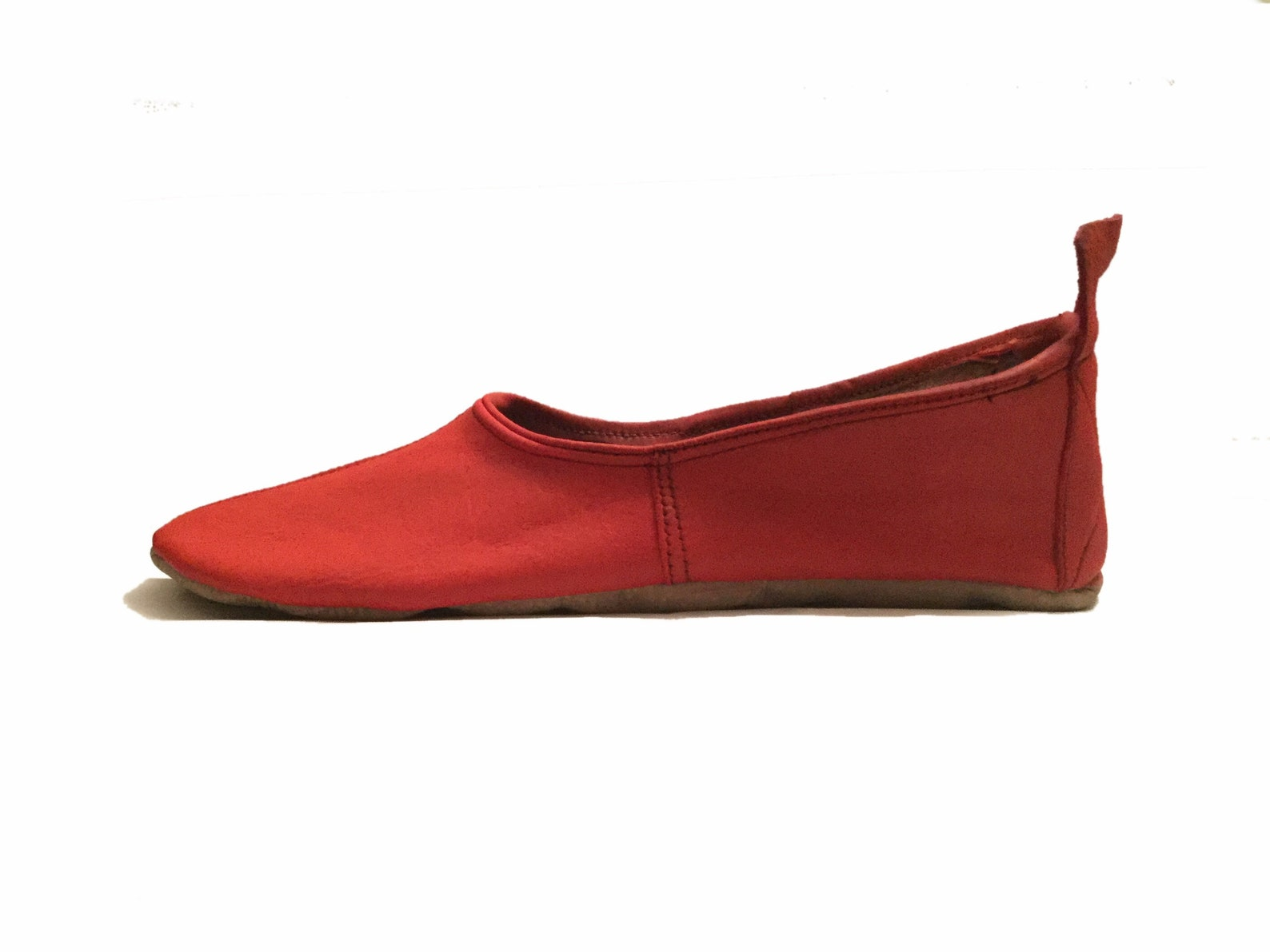 red leather flats, leather slippers, house shoes, gift for her,leather travel shoes, tabi socks ,ballet flats,loafers,