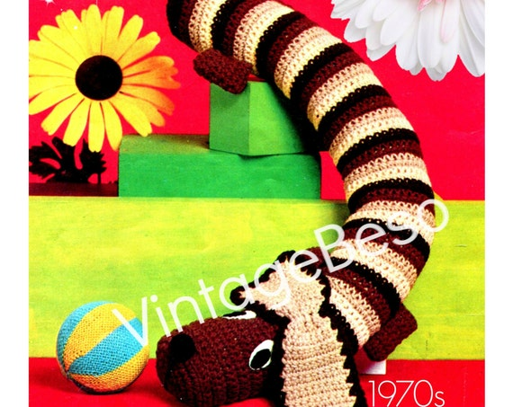 Wind Stopper Crochet Pattern • Dog Draft Stopper Dog • 70s Home Decor prevents wind from coming under door • Watermarked PDF Only