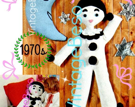 EASY Gentle Pierrot CROCHET Pattern + Moon Crochet Pattern • Vintage 1970s Crochet Pattern • Digitial Download • worked in single crochet