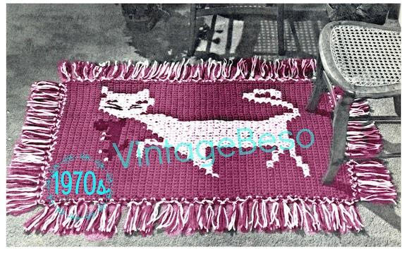 Rug Crochet Pattern • Mama Cat carrying Kitten Crochet Pattern • DIGITAL PATTERN • Retro 1970s • Digital Pattern • Feline Rug • PDF Pattern