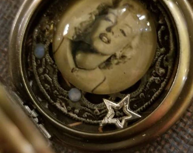 "Vintage Hollywood ""Marilyn"" Marilyn Monroe pocket watch"