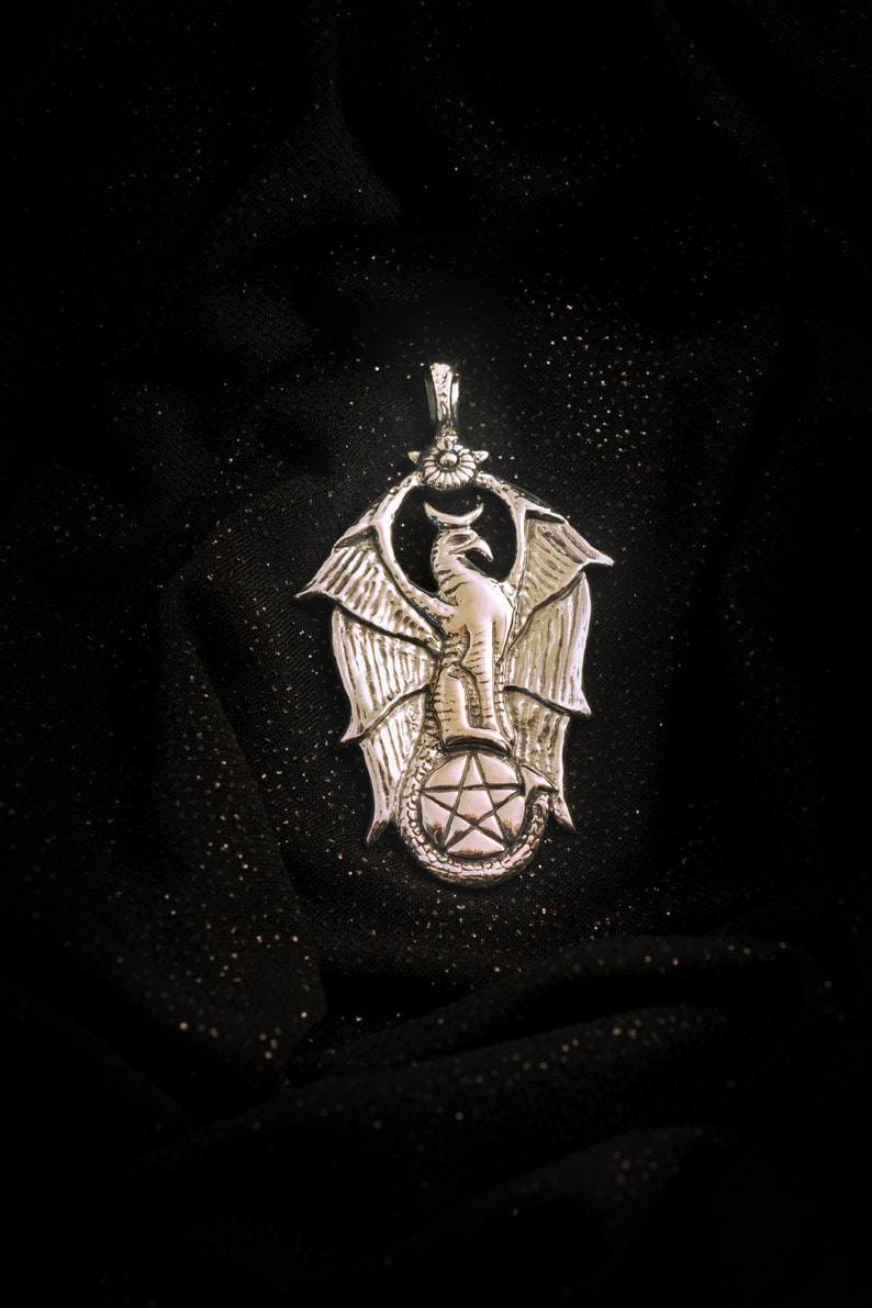 Gryphon pentagram lost wax casting Griffon 925 sterling silver pentacle eagle The great Griffin gardian pendant magic witch dragon