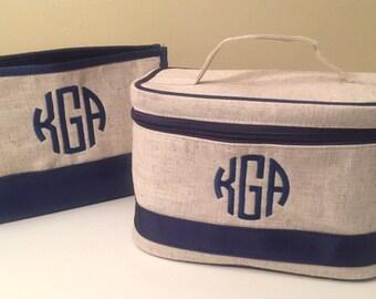 eee63e45e2 Monogrammed Cosmetic Bag - Monogrammed Makeup Bag - Train Case - Toiletry  Bag - Cosmetic Bag - Bridesmaid Gift - Make up Bag