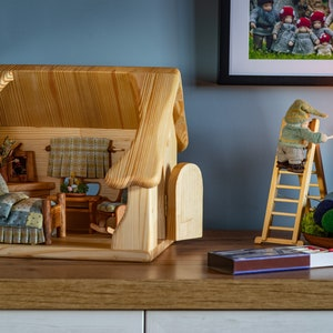 Toy Dollhouses