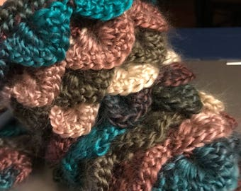 Crocheted Fingerless Gloves crocodile stitch