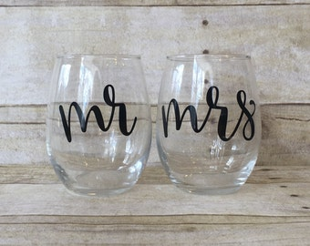 Mr & Mrs Stemless Wine Glass Set-Perfect Gift for Valentine's Day, Engagement, Wedding, Anniversary-Set of 2 (Two)