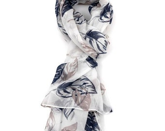 Beautiful Giant Leaves Scarf