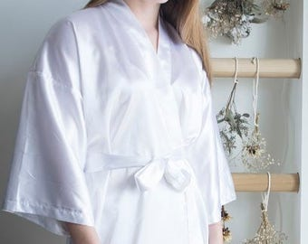 Bridal Kimono Robe / White Robe /White Silk Robe / Bridal Party Gift / Matching Robe / Bridal Party Robe / Kimono Robe Silk Kimono
