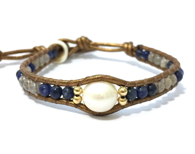 White Pearl + Blue Mix Bracelet