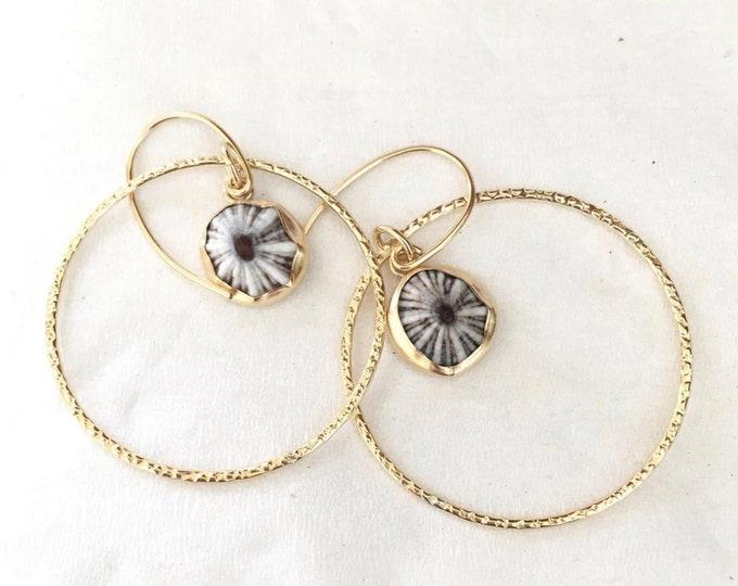 Hoop Earrings with Hanging Center 'Opihi