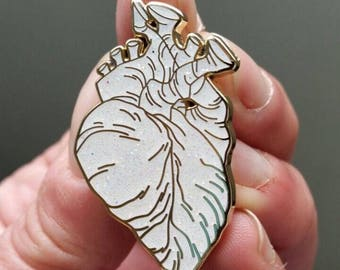 White unicorn hard enamel anatomical heart pin