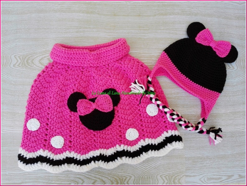 Poncho per bambina ispirato a Minnie e cappello coordinato  6f4e841ca418